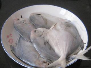 椒盐煎鲳鱼