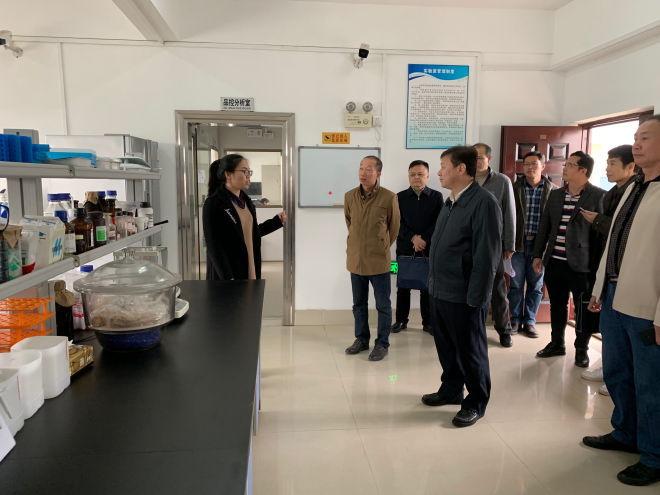 广西自治区农业农村厅厅长刘俊率队到广西水产引育种中心视察指导工作